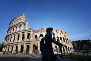 Italia puso bajo cuarentena a 60 millones de personas por el brote de coronavirus — así es cómo se ve el país