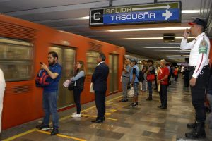 El STC Metro de la CDMX no transparenta la información sobre el seguro por daños a sus usuarios, pese a que la ley lo obliga