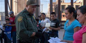 Por coronavirus, México restringirá paso en la frontera con EU solo «si es necesario»