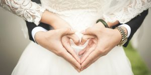 «Sí, quiero… algún día»: coronavirus obliga a aplazar los planes de boda