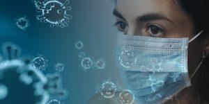 Pañuelos y bufandas, una opción para que los trabajadores de salud se protejan ante escasez de mascarillas por coronavirus