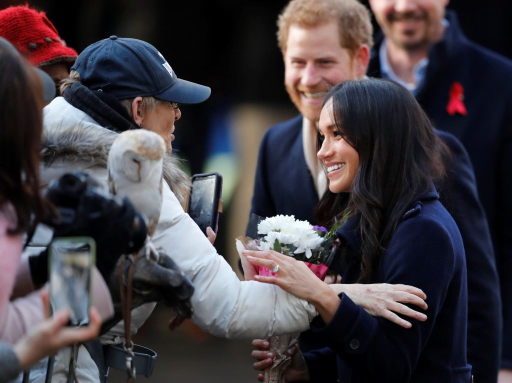 meghan markle y el príncipe harry amor realeza inglesa nottingham