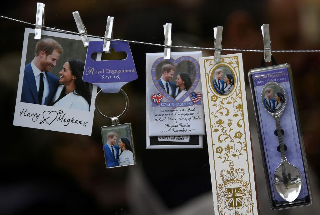 obsequios conmemorativos realeza británica boda harry meghan