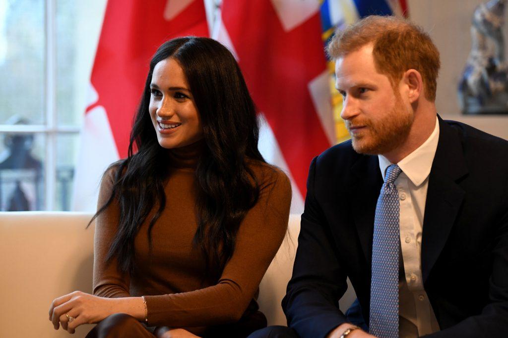 principe harry y meghan anuncian su salida de la realeza británica