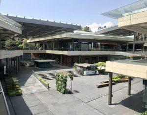 Nunca habían cerrado sus puertas, pero ahora así se ven algunos centros y plazas comerciales de la CDMX