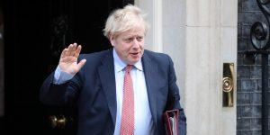 El primer ministro británico ingresa al hospital por síntomas persistentes de coronavirus