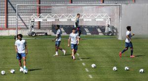 Bayern Múnich regresa a los entrenamientos y aplica la 'sana distancia'