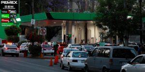 ¿Seguirá la gasolina barata en México? Hay una posibilidad pero la moneda está en el aire