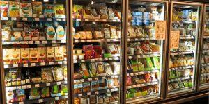 La venta de comida por Internet y enlatados ha subido por el coronavirus; turismo es el sector más afectado
