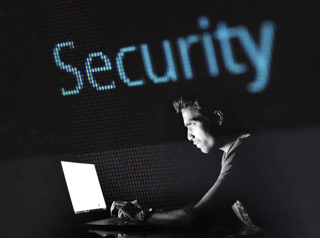 Al aumentar el tráfico han aumentado los fraudes cibernéticos.
