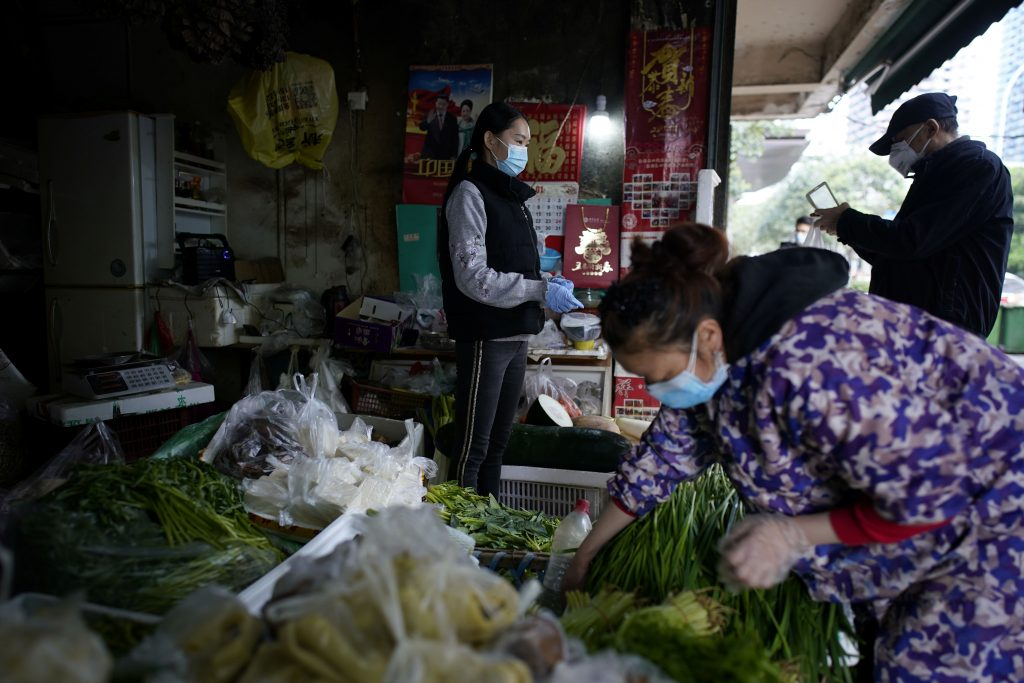 mercados mojados en wuhan china reciben pocos clientes
