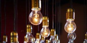 Cuida tu consumo de luz aunque la CFE anunció que no te cambiará a la tarifas más altas durante la cuarentena