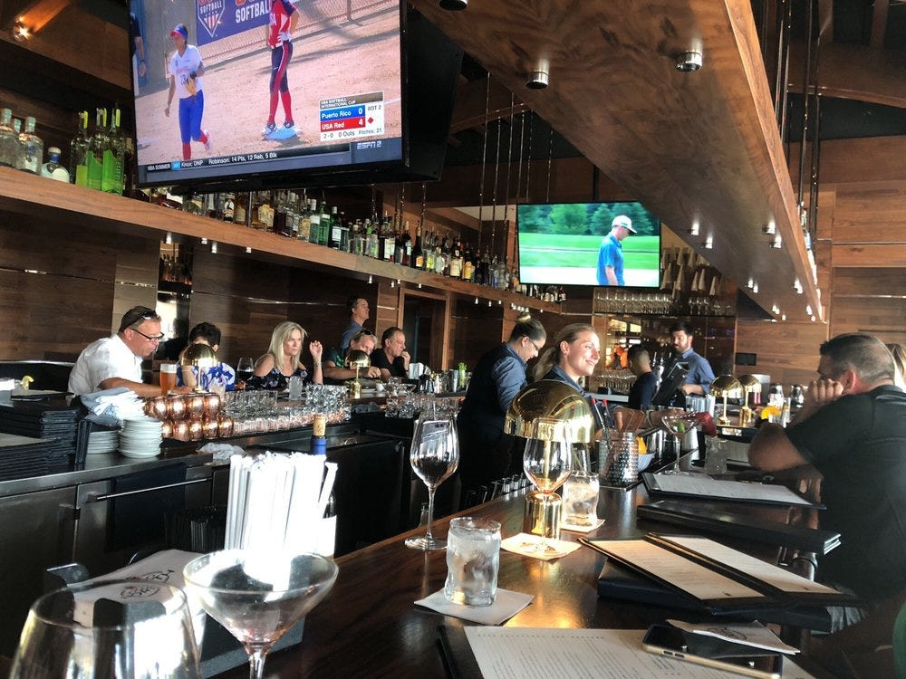 1000 North restaurante de michael jordan