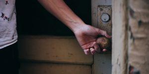 5 consejos para entrar a tu casa de forma segura y sin meter el Covid-19