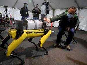 Un hospital en Boston usa a los famosos robots de Boston Dynamics para tratar a pacientes con coronavirus— así es como funcionan