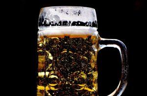 El efecto Covid-19 pega a la cerveza: sube de precio en primera quincena de abril