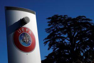El Comité Médico de la UEFA considera posible retomar los partidos suspendidos; pero no todos opinan lo mismo
