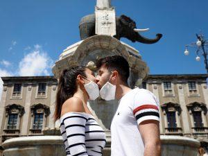15 fotos que muestran cómo se vive en Italia la relajación de la cuarentena por el coronavirus