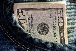 El desempleo en EU afectará a las familias mexicanas que reciben dinero por remesas, a partir de abril