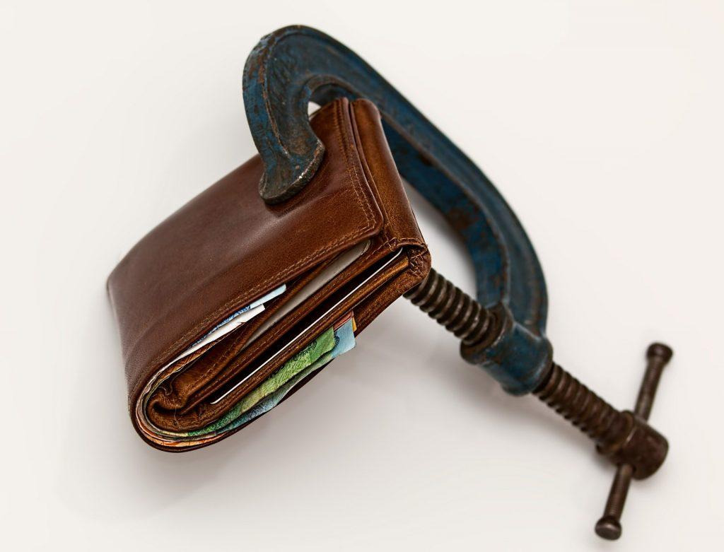 gasto de mexicanos negocias deudas
