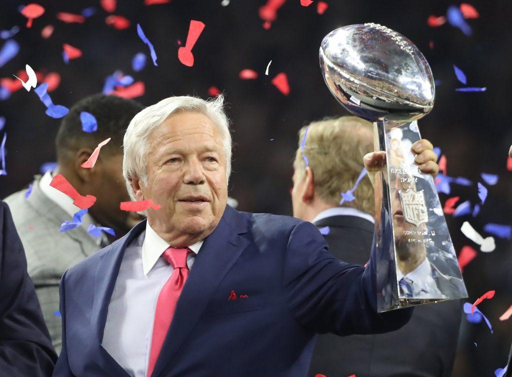 anillo de Super Bowl donación Robert Kraft patriots coronavirus