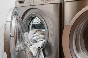 La secadora no mata todos los gérmenes — así que esto es lo que debes hacer para mantener tu ropa libre de ellos