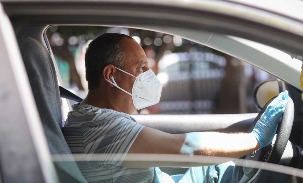 Uber obligará a conductores y pasajeros usar cubrebocas | Business Insider México