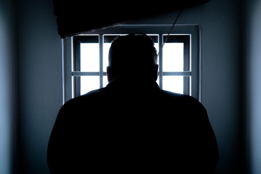 prisión carcel dinero intercambios sopas