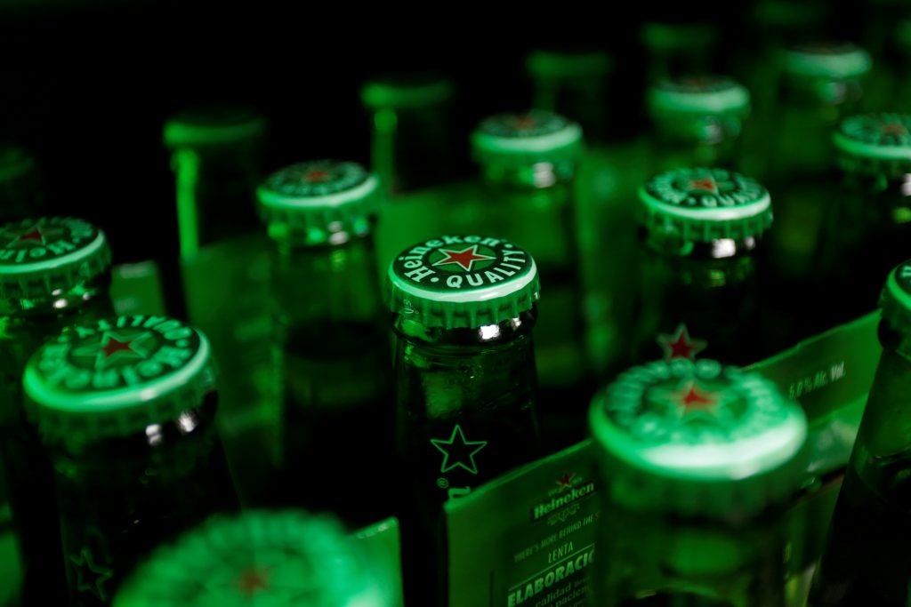escasez de cervezas México muerte alcohol artesanal adulterado