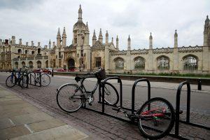 La Universidad de Cambridge dará todas sus clases en línea hasta el verano de 2021 — y es la primera en tomar esta medida