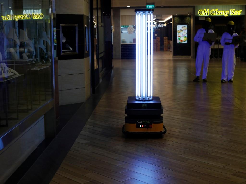 robot coronavirus Singapur