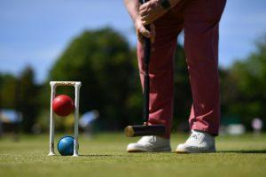 El cróquet busca rejuvenecer y volverse el 'deporte rey' de la sana distancia