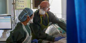 Estudios indican mayor ansiedad, depresión y estrés en personal médico que combate la pandemia