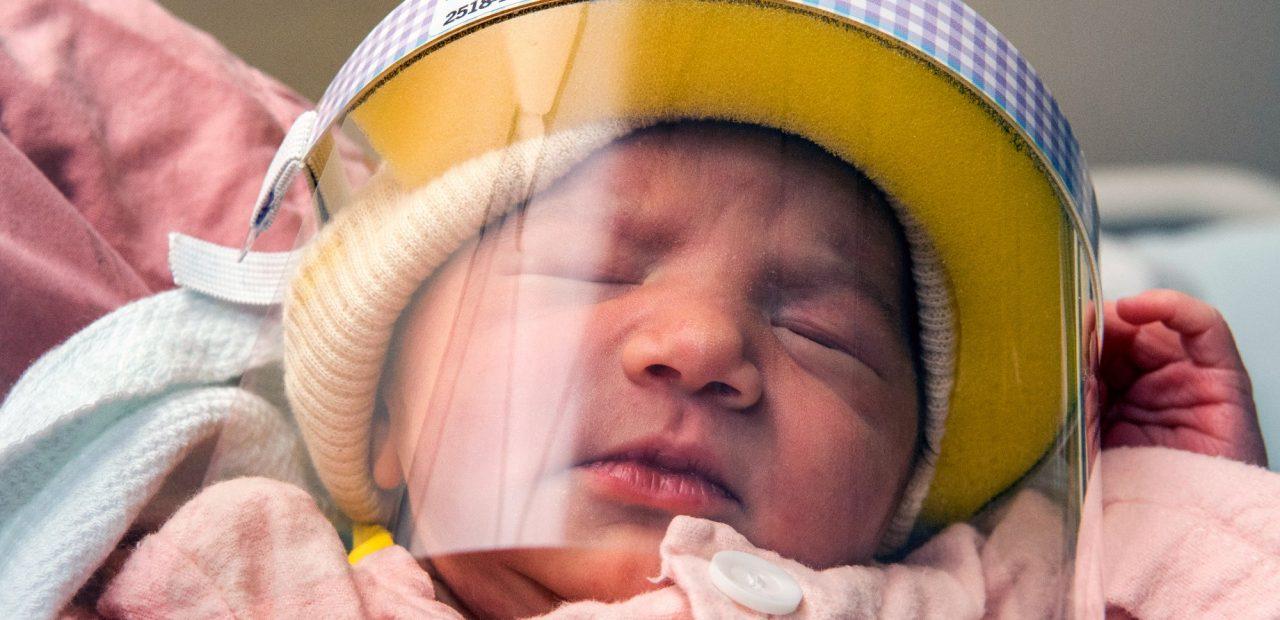 bebés recién nacidos covid-19