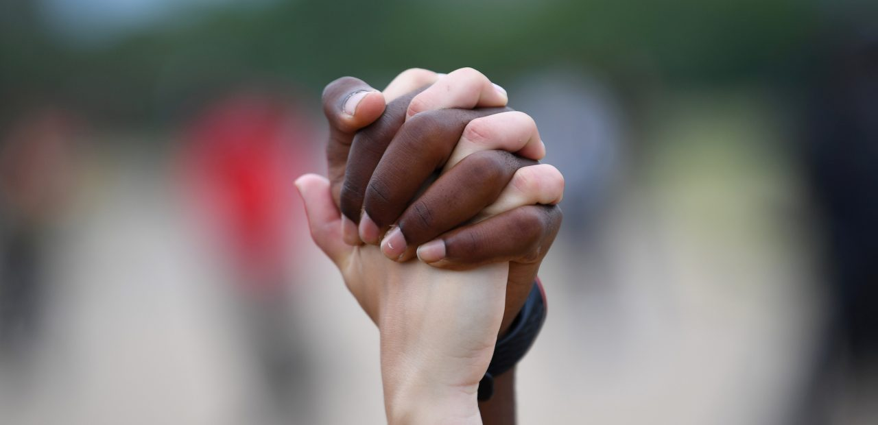 Grindr elimina el filtro de raza y etnia en apoyo a Blick Lives Matter | Business Insider Mexico