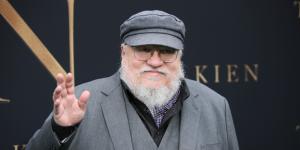 El lanzamiento de 'Vientos de Invierno' podría estar más cerca de lo que se espera: George R.R. Martin asegura que el esperado libro de la saga de Game of Thrones estará terminado este verano
