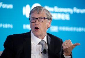 Bill Gates no refuta las teorías de conspiración que lo vinculan con las vacunas contra el coronavirus 'porque son demasiado estúpidas'