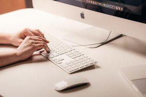 Apple podría cambiar a procesadores ARM en lugar de Intel para sus Macs