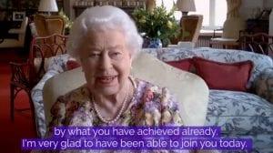 La reina Isabel II realiza su primera videoconferencia pública a los 94 años