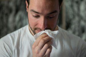 El resfriado común podría protegerte del coronavirus durante 17 años, de acuerdo con científicos