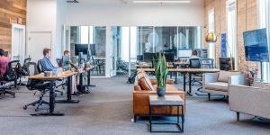 """La generación Z prefiere el trabajo en oficina. Así es como pueden gestionarla en la """"nueva normalidad"""""""