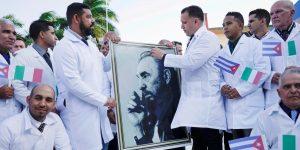 Los médicos y enfermeras cubanos que el Insabi trajo por 135 millones de pesos permanecerán en el país aun tras vencer el convenio, según una funcionaria de CDMX