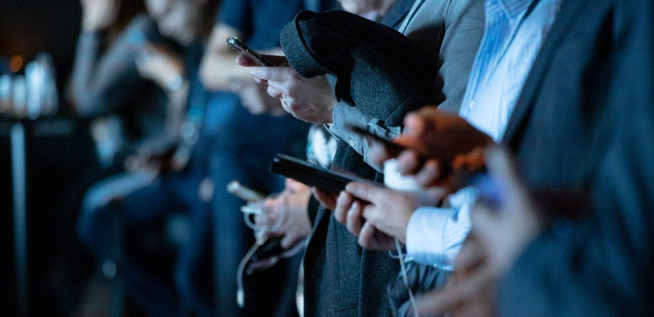 mexicanos confían medios redes sociales ı Business Insider México