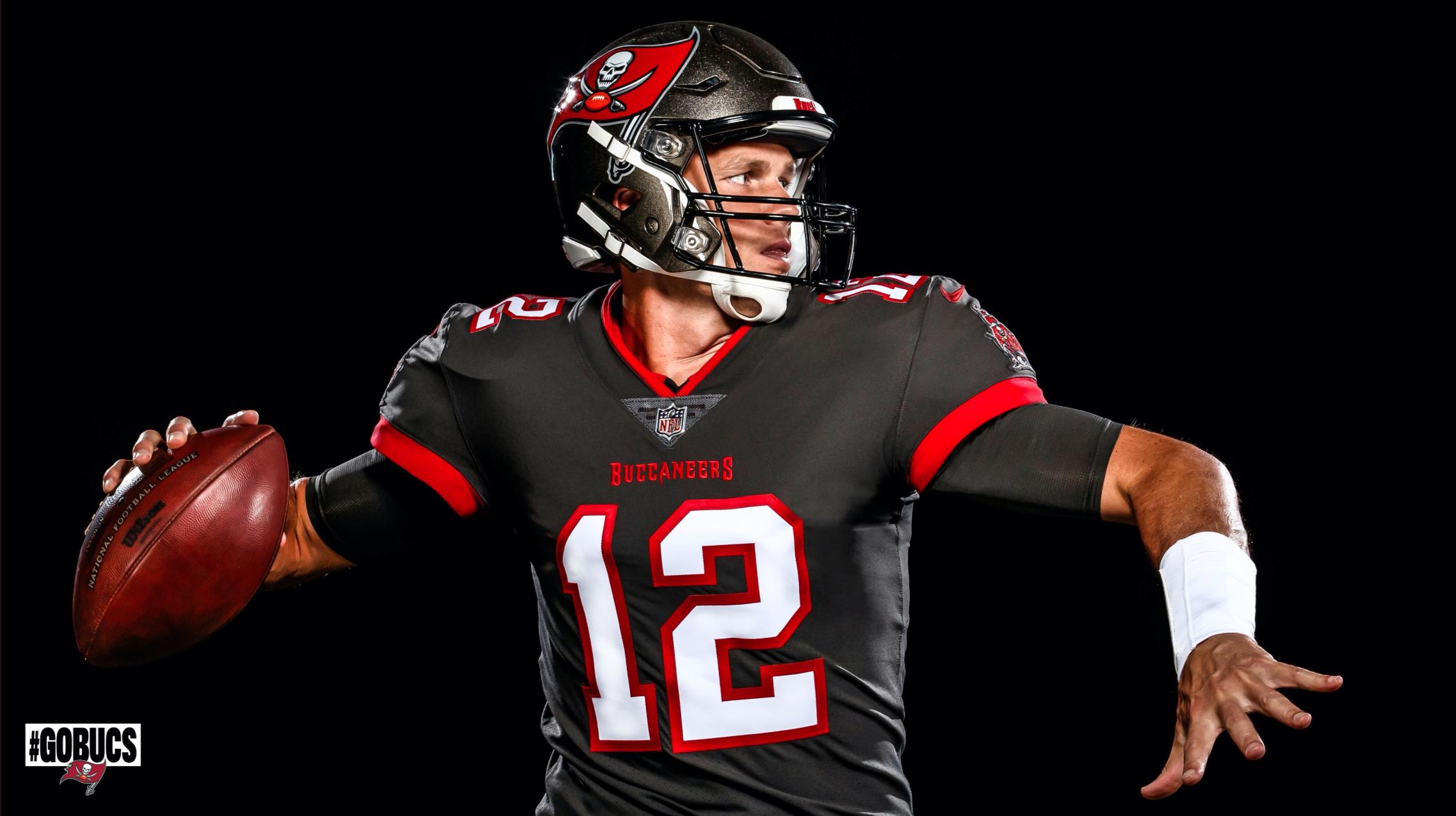 Los Buccaneers presumen cómo se ve Tom Brady con su uniforme