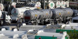 México pondrá la lupa nuevamente sobre contratos petroleros, reitera apoyo a Pemex y CFE