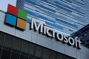 Microsoft detiene sus inversiones publicitarias en Facebook en plena campaña #StopHateforProfit