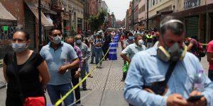 A los mexicanos les preocupa más el coronavirus que la inseguridad, según una encuesta