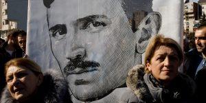 La fascinante vida de Nikola Tesla, el hombre que electrificó nuestro mundo y se enamoró de una paloma
