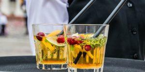 4 consejos para evitar la cruda cuando estás bebiendo durante el día