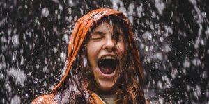 Islandia quiere ayudarte a liberar emociones reprimidas, solo debes grabar un grito y sonará en los paisajes del país